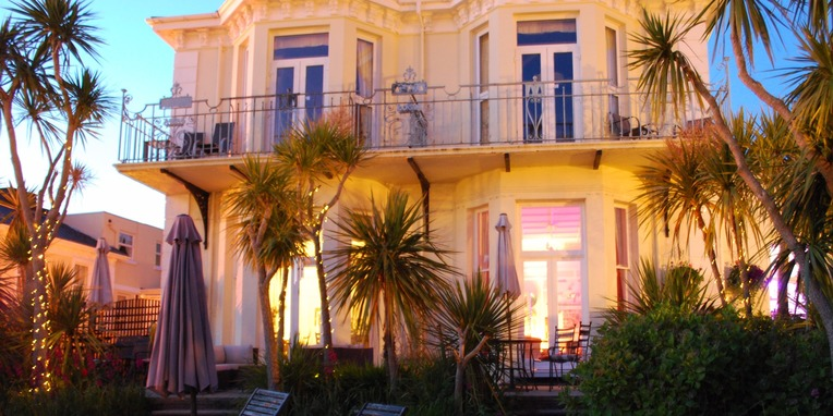 Boutique luxury bed and breakfast in Torquay